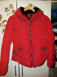rote Blase Zip-up-Jacke