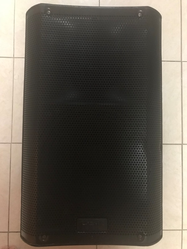 "QSC k10 10"" powered speaker great condition"