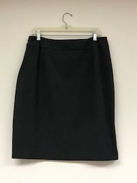 Grey skirt size 14 Shelby charter Township, 48316