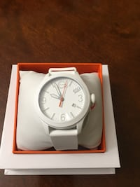BRAND NEW LADIES MOVADO WATCH (CHEAP!!) Oakville, L6H 7M8