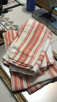 Williams Sonoma Napkins and Runner