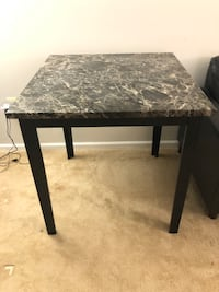 Granite table in good condition  Herndon, 20170