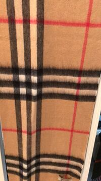 Burberry scarf with tags Surrey, V3W 1W4