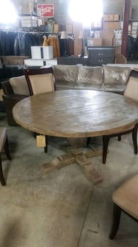 54 round table . Mississauga, L4X 1R1