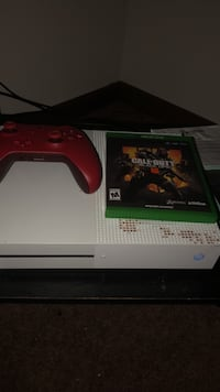 Xbox one s red controller and black opps 4 Cedar Rapids, 52404