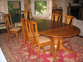 Vintage Oak Pedestal Dining Room Table & 6 Matching Chairs