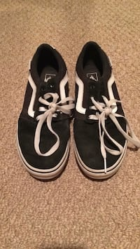 pair of black-and-white Vans sneakers Shawnigan Lake, V0R