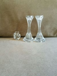 two clear cut glass vases 885 mi