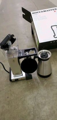 Moccamaster 79112 10 cup coffee brewer with thermal carafe polished si Toronto, M8Z 1L8