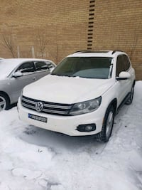 2013 Volkswagen Tiguan 2.0T SE 4Motion w/Sunroof & Montreal