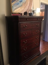 brown wooden 5-drawer dresser Reston, 20190