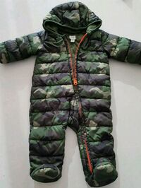 BABY GAP green and black camouflage zip-up hoodie Toronto, M5A 3R3
