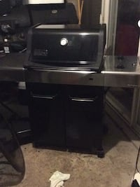 black and gray gas grill Alexandria, 22311