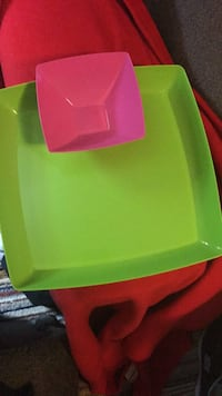 Plastic tray and bowl 2 for $3. Essex, 21221