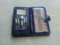 women's makeup brushes and palette Surrey, V3W