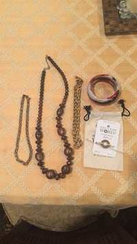 3 necklaces 2 bracelets (price for all 5 pcs) New Orleans, 70125