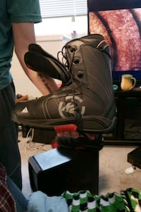 Us 11 K2 men's snowboard boots North Saanich, V8L 1A2