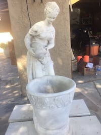 Beautiful Greek Cement Water Fountain $125 OBO  Make me a fair offer I'm flexible... PLEASE ONLY SERIOUS BUYERS APPROX.3' High Indio, 92201