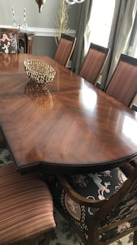 Oval brown wooden dining table with chairs set Wayne, 19087