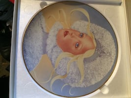 Collectors plates!! Limited edition! $5