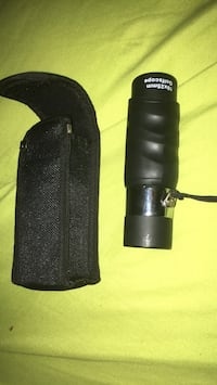 black and gray binoculars with bag Lincoln, L0R