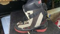 Snowboard and boots size 8 women's Bountiful, 84010