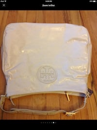 Tory Burch authentic with tag New......New. Maywood, 07607