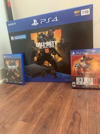 Like new PlayStation 4 with Red Dead Redemption 2 and Black Ops 4 Milwaukee, 53202