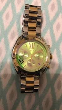 Round gold michael kors chronograph watch with link bracelet Fort Worth, 76179