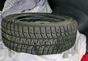 "Bridgestone Blizzak  winter tires 16"" (on rims)"