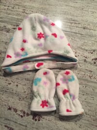 pair of toddler girl's white knit cap and pair of gloves Calgary, T2Z 5A4