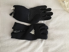 Neoprene dive gloves
