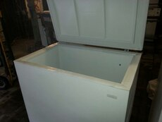 #1446 White 18 cubic ft chest freezer