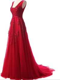 Women's red sleeveless dress available in a med to large , scroll down to see more pictures  Brampton, L6Z 0B4