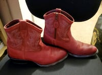 Preowned Ariat women's unbridled western boots size 7.5 B  Anderson, 96007