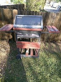 gray and brown Char-Broil gas grill