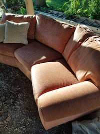 Peach Flexsteel oval couch Downers Grove
