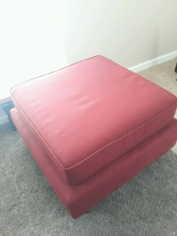 Single Ottoman Red  4