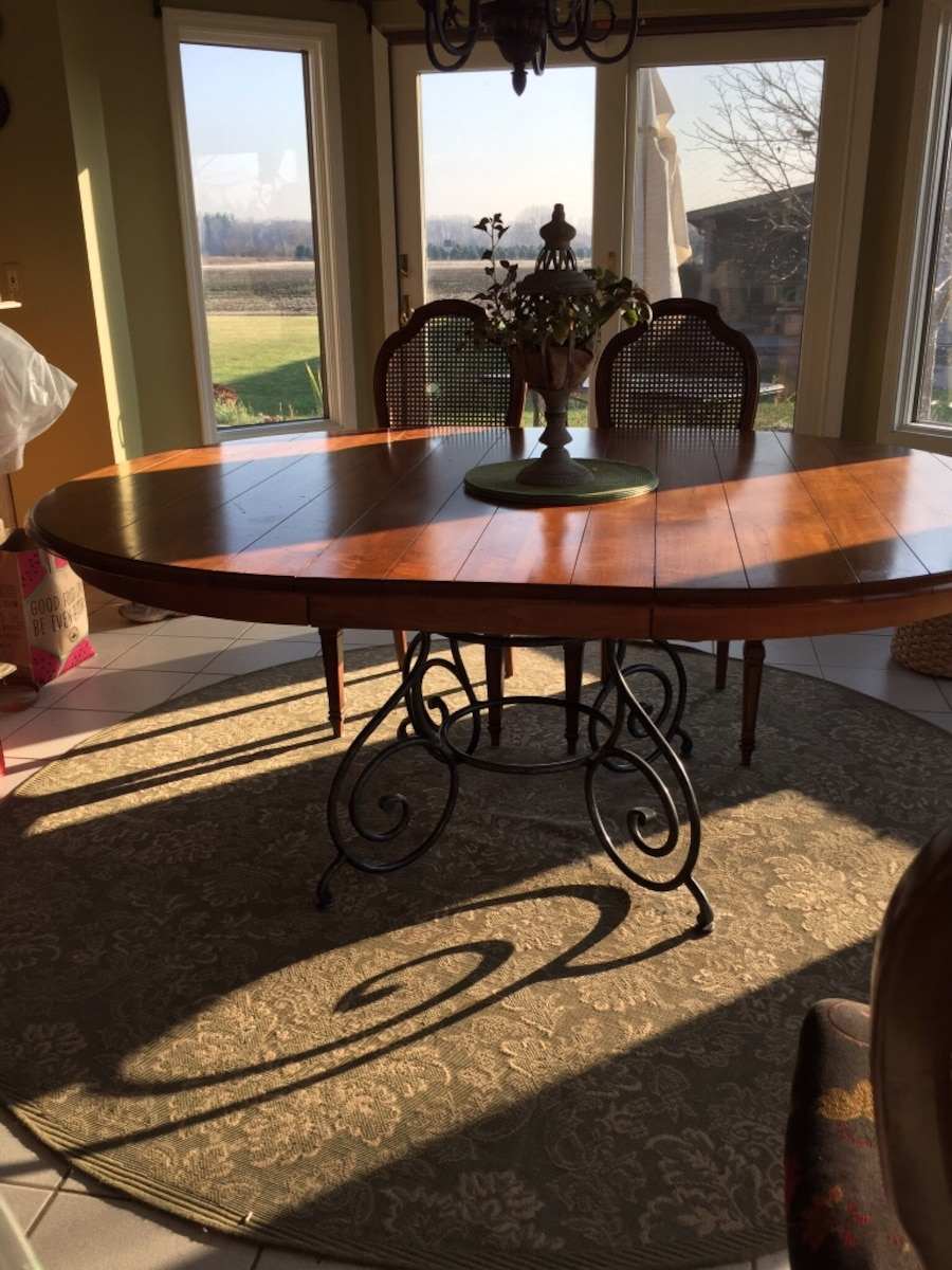 Used Ethan Allen French Country Dining Table And Hutch With Bakers Rack In Macomb