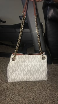 white and gray Michael Kors leather tote bag Harwood Heights, 60706