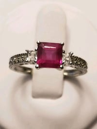 14k gold natural ruby ring size 8 Croydon, 19021