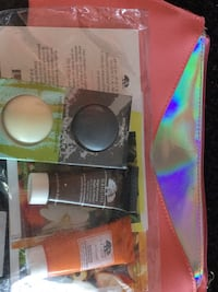 Brand new cosmetic bag with origins sample set comes from a smoke free home pick up Winter Haven Winter Haven, 33884