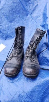 Real army lace up boots mens sz 7wide Redding