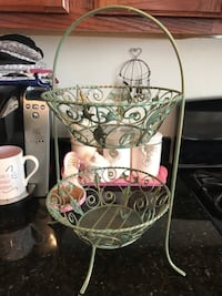 Pretty! Two Tier Metal Design fruit/ Vegetable Basket Gainesville, 20155