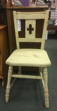 """Vintage Buttermilk Painted Side Chair with Crazing. 15""""W x 22""""D x 32""""H Heath, 43056"""