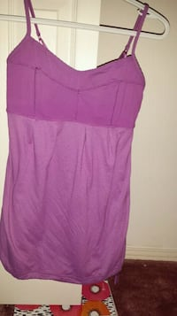 Lululemon top size 2 Kamloops, V2B 3X7