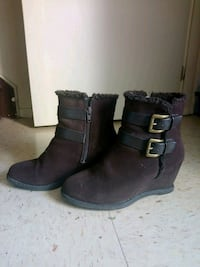 pair of brown leather boots Windsor, N8T 1A4