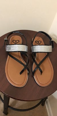 Pair of brown-and-black sandals Gaithersburg, 20877
