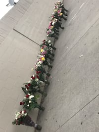 red roses and white and yellow mums 2258 mi