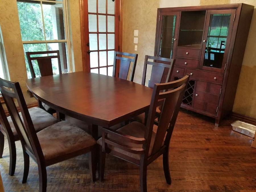 Broyhill Dining Set And China Cabinet